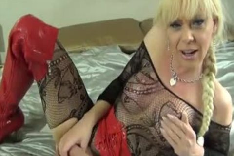 Blond tranny Joanna Jet Playing With Her recent dildos