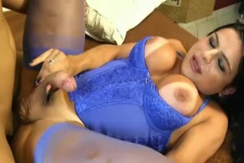 Thalya Cyclone acquires Analed In Blue lingerie