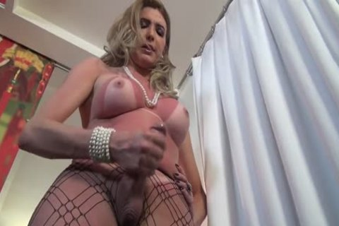 Transexual Ana Beatriz Jerking Her Large 10-Pounder