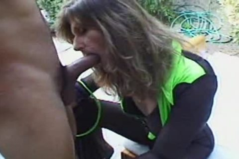 This prostitute likes 10-Pounder anal three