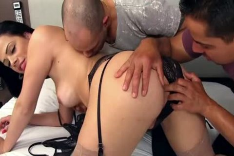lusty ladyman Bruna Castro Sucks And bonks Two Delivery dudes