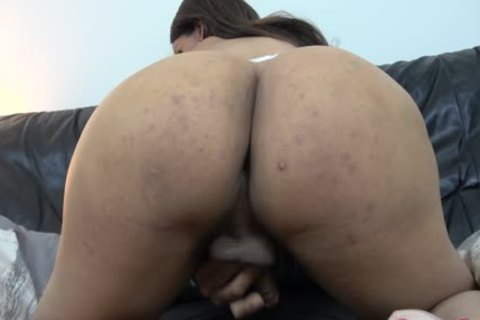 Shania Reyes Shows Off Her recent monstrous love muffins