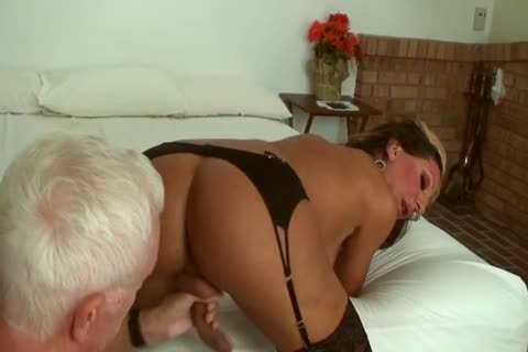 Ariel Everitts - pretty Clits - attractive Sex With A shemale