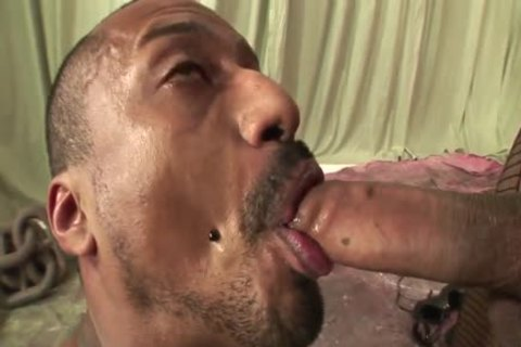 Ingrid Moreira bonks boy And shoots biggest Load In His Face