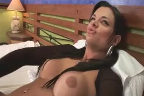 wild brunette lady-man juicy Solo