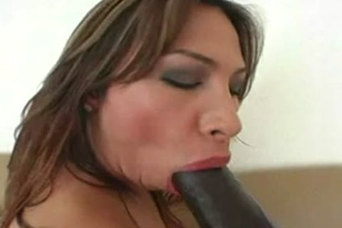 ladyboy Gaping With A dildo