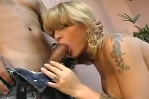 latin chick juicy blond ladyboy Sex